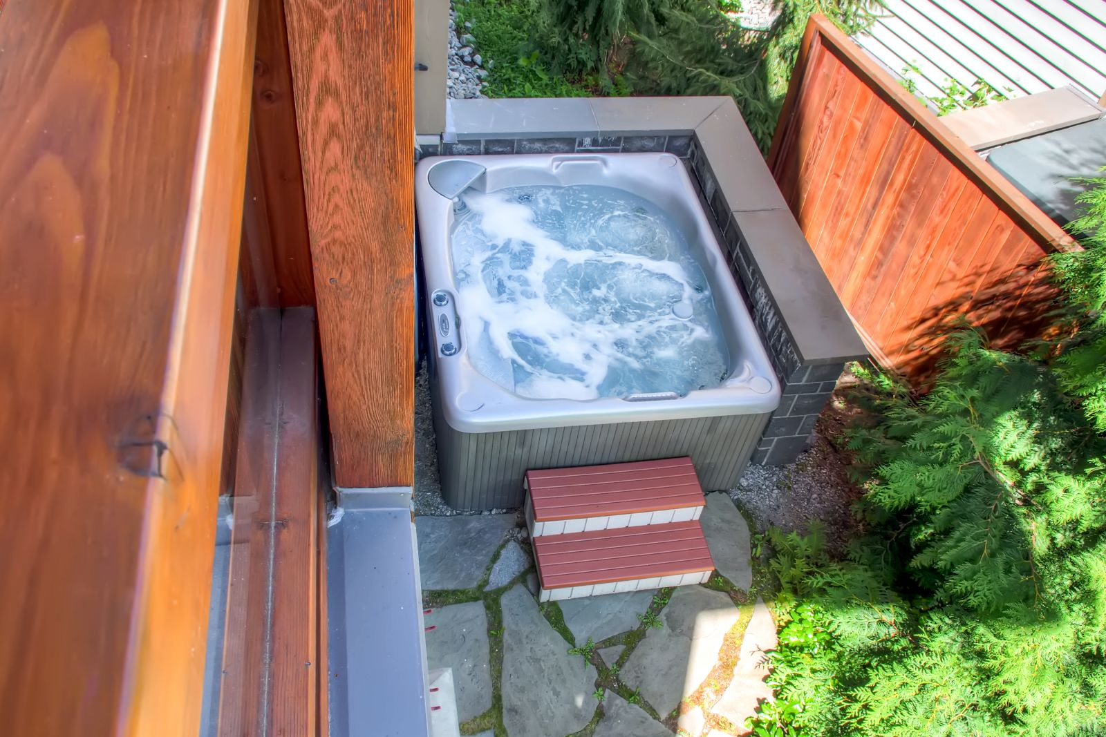 Fitzimmons Walk Hot Tub