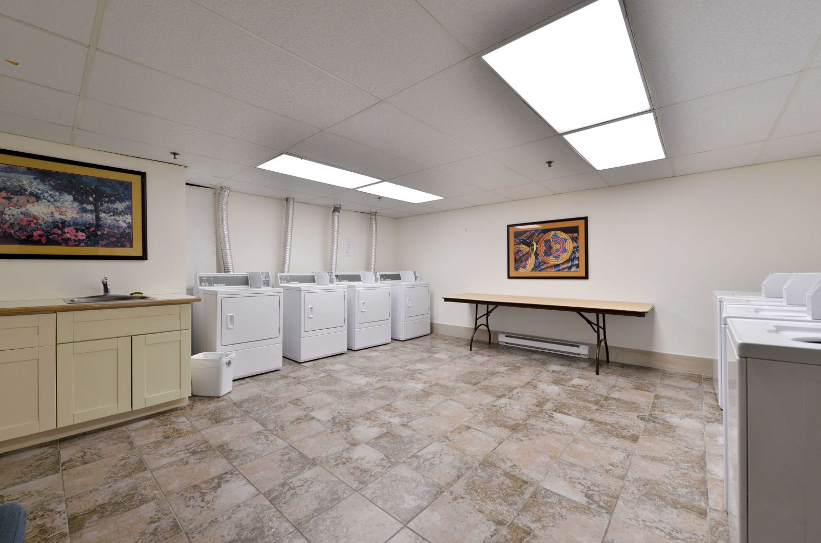 Aspens Lodge laundry facility